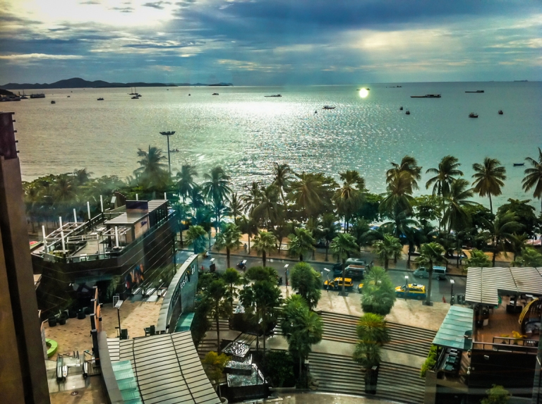 Pattaya Beach Overview from Mall (16)