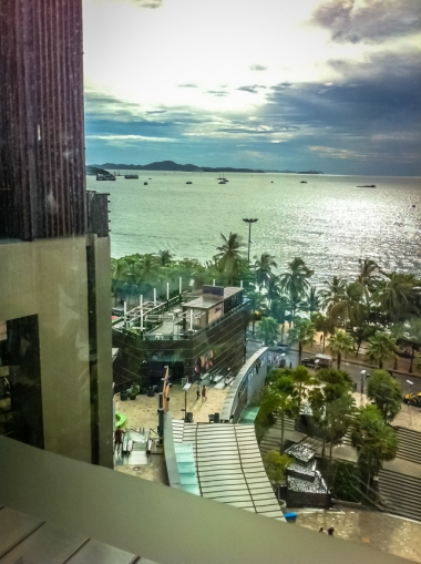 Pattaya Beach Overview from Mall (17)