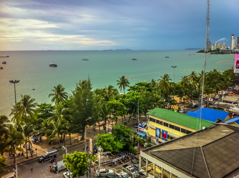 Pattaya Beach Overview from Mall (21)