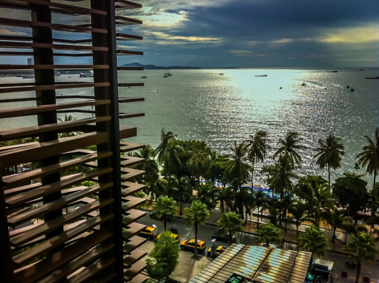 Pattaya Beach Overview from Mall (22)